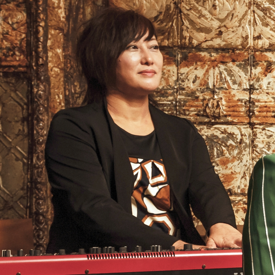 Mayumi Kitazono - Keyboards - きたぞのまゆみ(ピアノ&オルガン&キーボード)