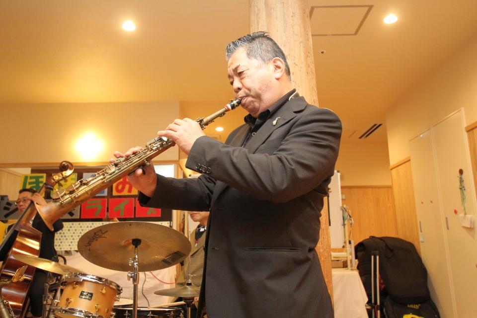 増田與八郎(サックス)