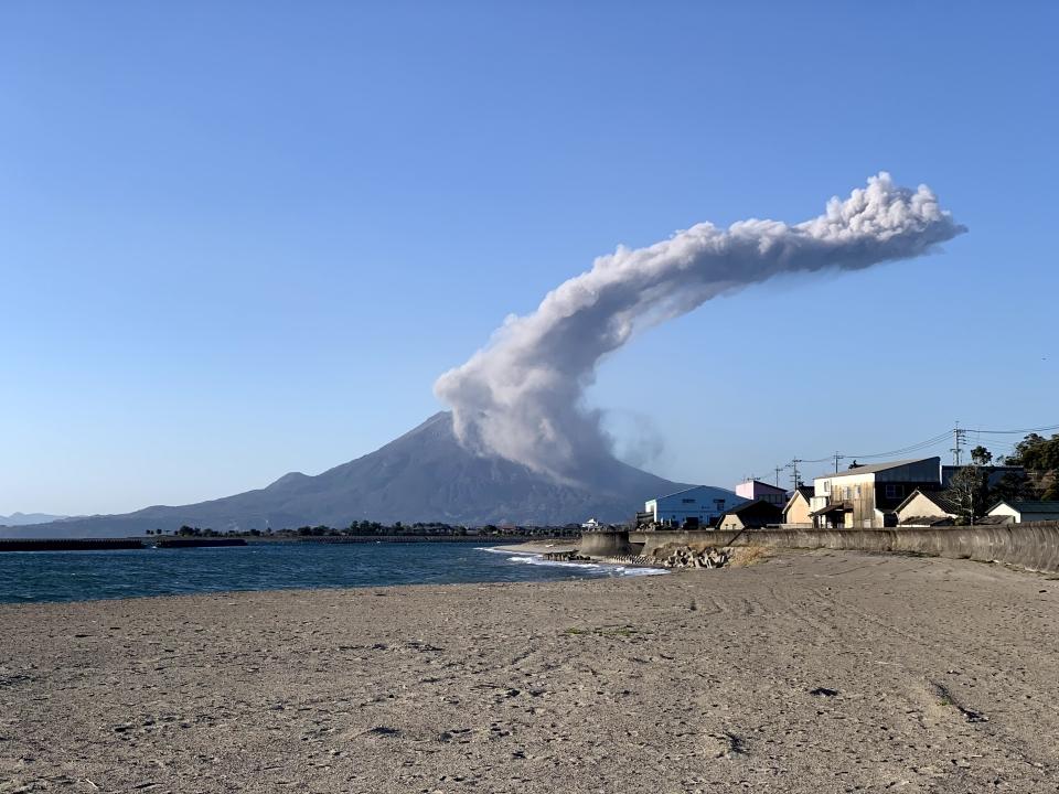 桜島の噴煙もYOGAる!?
