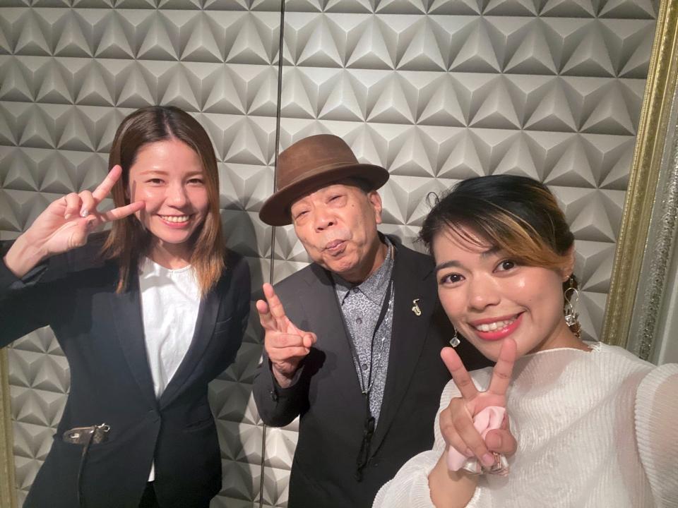 あゆみさん(ピアノ)&ゴリさん(サックス)&EMILY(ボーカル)